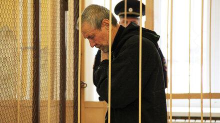 Воронежский стрелок избежал пожизненного срока за убийство сына с невесткой