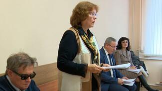 Подавшую в суд на правительство воронежскую экс-чиновницу подвёл друг-мошенник
