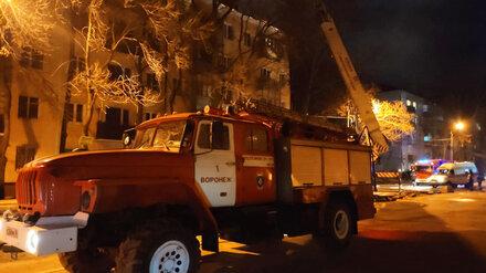 В пережившую мощный пожар воронежскую пятиэтажку начали возвращаться жильцы