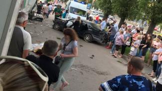 «Таких идиотов пол-Воронежа ездят». Почему смертельное ДТП с участковым взбудоражило город