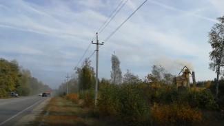 «Пыль и вонь». Под Воронежем дачники показали на видео, как завод отравляет им жизнь