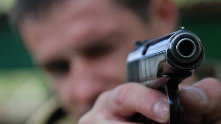 В Воронеже неизвестный ранил собаку и открыл стрельбу по её хозяину