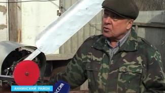 Воронежский изобретатель собрал ветряк и платит за свет около 70 рублей в месяц