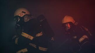 В Воронеже произошёл пожар в жилом доме: 10 спасённых, один погибший