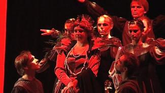 Готическая драма в непривычном формате на воронежской сцене