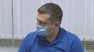 Главный медик Воронежской области привился от коронавируса