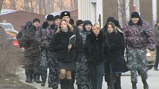 Воронежцы не позволили приставам снести забор
