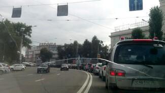 Неработающие светофоры парализовали движение в центре Воронежа