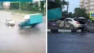 Появилось видео с моментом смертельного ДТП с участием иномарки и «ГАЗели» в Воронеже