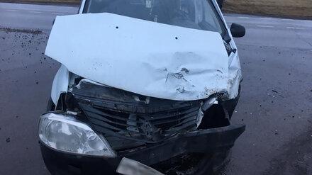 В Воронежской области в ДТП на перекрёстке пострадали 3 человека