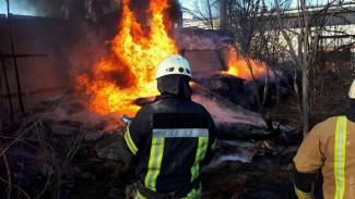 В Воронеже в районе складов ЮВЖД произошёл крупный пожар