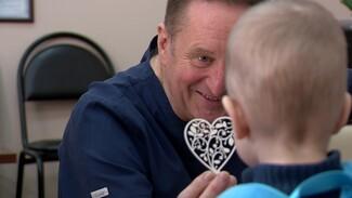 Тысячи спасённых жизней. Легендарному воронежскому кардиохирургу исполнилось 60