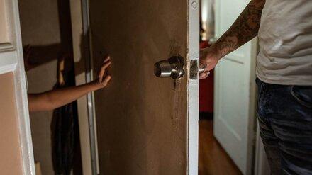В Воронежской области отчим насиловал и истязал 8-летнюю девочку