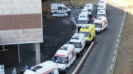 Воронежским поликлиникам добавят машин для поездок к ковид-пациентам в зимние праздники