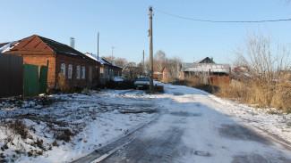 Жители села под Воронежем пожаловались на фуры, от движения которых разрушаются дома