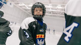 На ледовой арене в Нововоронеже стартовал первый турнир детских хоккейных команд