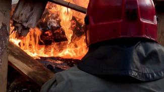 Ночью в Воронеже было жарко: горели дачи сразу в нескольких микрорайонах