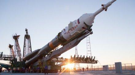 Появилось видео установки ракеты «Союз-ФГ» с воронежским двигателем на Байконуре
