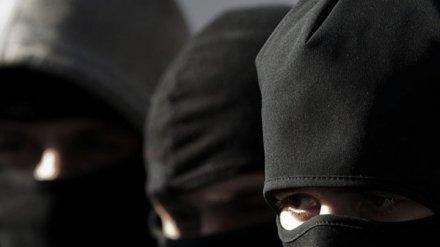 В Воронеже вооружённые налётчики в масках ворвались в частный дом