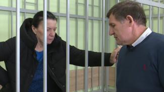 «Жили одной семьёй!» Сотрудники книжного магазина в Воронеже рассказали о кредитном рабстве из-за бывшего директора