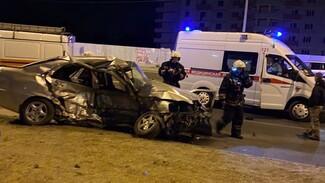 В Воронеже при столкновении автомобилей погиб водитель иномарки