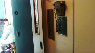 Почему лифты в воронежских соцучреждениях опасней подъёмников в многоэтажках