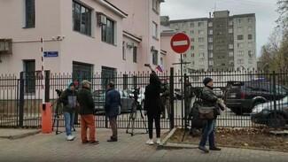 «Балтиморского» солдата-стрелка привезли в военный суд в Воронеже