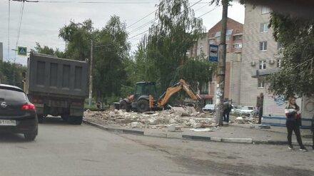 Пиццерию в Воронеже снесли после вмешательства полиции