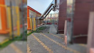 Воронежская УК радикально решила проблему обрушающейся штукатурки с фасада многоэтажки