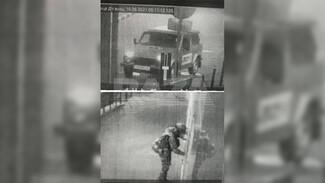 Полицейский пять раз выстрелил во взорвавшего дежурную часть в Воронежской области