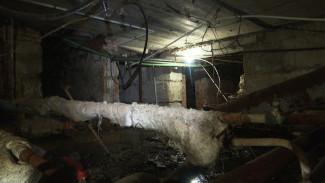 «Хочется надеть противогаз». Почему в подвале воронежского дома забил фонтан из фекалий