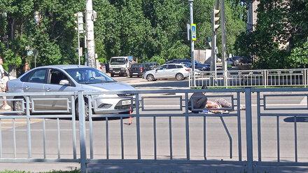 В Воронеже Jeep сбил девушку на Ленинском проспекте