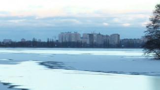 Из Воронежского водохранилища достали замёрзшее тело женщины
