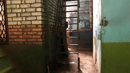 На заводе в Воронеже крановщица упала с высоты