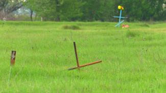 Похоронены не по-человечески. Кто ухаживает за неучтёнными могилами солдат в Воронежской области