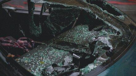 Под Воронежем в опрокинувшейся машине погиб мужчина и пострадал ребёнок