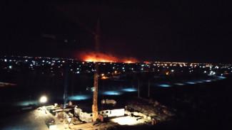 Крупный пожар напугал жителей посёлка под Воронежем