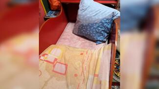 «Сын просыпается в луже». Воронежская семья пожаловалась на протекающую в дожди крышу