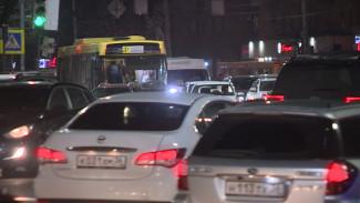 Для борьбы с пробками из-за закрытого виадука в Воронеже изменят дорожное движение