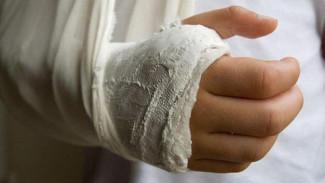 В Воронежской области родители сломавшей руку девочки отсудили у детсада 87 тыс. рублей