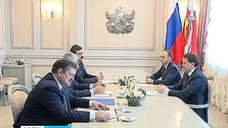 Главе Воронежского региона представили нового директора ВАСО - Сергея Юрасова