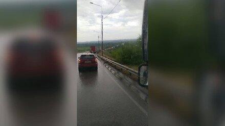 Пригород Воронежа встал в многокилометровой пробке из-за ремонта моста через Дон