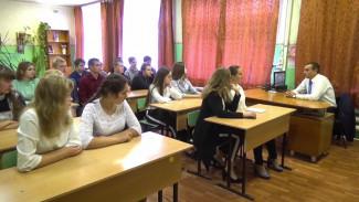 В Воронежской области сельский врач «вербует» будущих медиков в школах