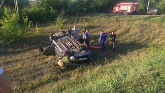 Появились фото с места массового ДТП с 3 пострадавшими в Воронежской области