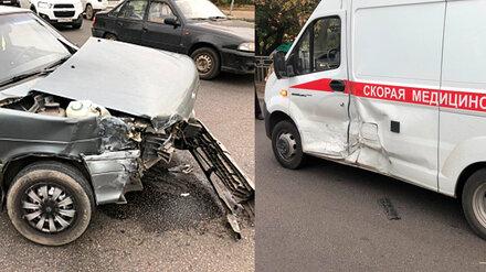 В Воронеже скорая с пациентом попала в ДТП по пути в больницу