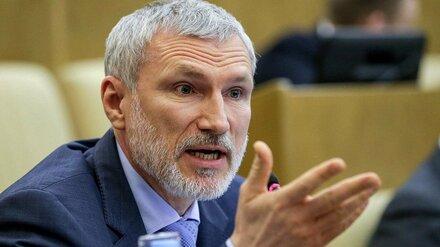 Воронежский депутат Госдумы посмеялся над борьбой с воронами на крыше здания правительства