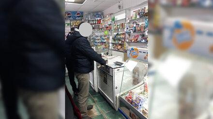 Житель Воронежской области убил продавщицу под камерами ради 2,5 тысяч и бутылки пива