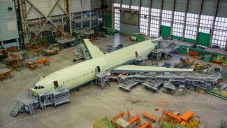 Первый воронежский Ил-96-400М передали в цех окончательной сборки