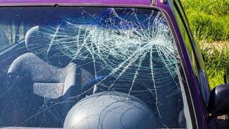 В Воронежской области из-за выезда иномарки на встречную полосу в ДТП погибла женщина
