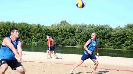 Работники Нововоронежской АЭС устроили чемпионат по пляжному волейболу